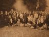 Ksiądz Bazylski z parafianami 1927/1936