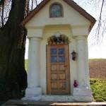 Kapliczka Pstrągowa Środek